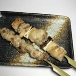 炭火串焼 鳥悠 - ボリューム満点の焼鳥串