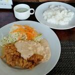 宮崎の地鶏 - チキン南蛮定食(1000円)