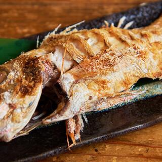 旬の美味しさをシンプルに味わえる「焼き魚」は人気メニュー