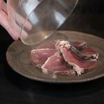 カツオの瞬間燻製 絶品オリーブオイルと塩で