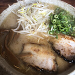 らぁめん 風や - 料理写真:豚骨ラーメン580円