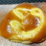 ビゴの店 - バニラクリームパン 税込172円