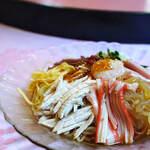 """翡翠 - """"什錦涼伴麪(ごもくひやしそば)""""、雞肉絲(とりにくせん)+蟹魚餠(かにかまぼこ)"""