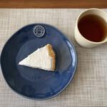 エルベラン - 料理写真:人気商品のレモンパイ。優しい甘さ。身体に良いこだわりの素材を使っています♡