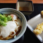 香の川製麺 - 料理写真:とろ玉うどん(冷)とレンコン天、イカ天