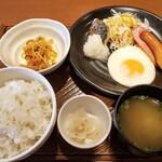 ガスト - 料理写真:よりどりバランス朝定食 699円