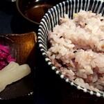 楽喰 - 楽喰御膳の漬物と、十五穀米