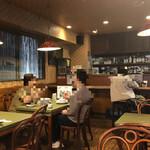 サイゴン・レストラン - 店内