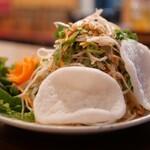 ベトナム料理 ホァングン - 蓮サラダ
