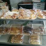 宇野パン屋 - 料理写真:パン コーナー