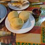 エコ ロロニョン - ヤムイモなパン。料理に合う