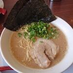 九州釜焚きとんこつ ばってんラーメン - 料理写真: