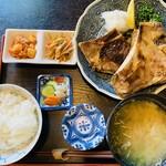 海人市場 - 鮪カマ焼定食