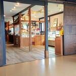 カフェ&デリ ルカ - 店内
