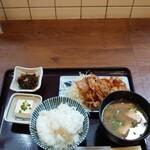うめぇら食堂 - 富士桜ポーク 生姜焼き定食