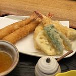 天ぷら 串割烹 なかなか 室屋 - 料理写真:海老フライと海老の天ぷらの2種類楽しめます