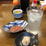 竹山食堂 - レモンサワー(濃いめ)+お通し+イカの塩辛