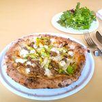 ボナッチャ - ソーセージと春キャベツのピッツア