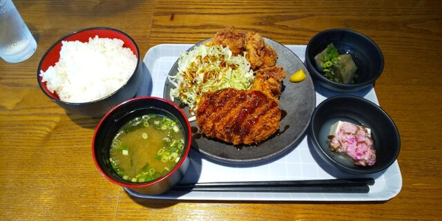 五反田 肉寿司の料理の写真