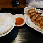 中華料理 福満亭 - 餃子ライス(笑)