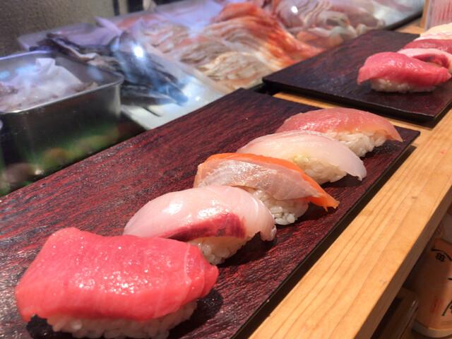 立ち寿司横丁 中野サンモールの料理の写真