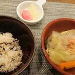 プロヴァンス - 本日の炊き込みご飯。ヒジキとアサリだったはず。
