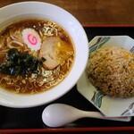 万寿山 - 炒飯セット「900円」このクオリティ―でこの値段は、ちと高過ぎでは?