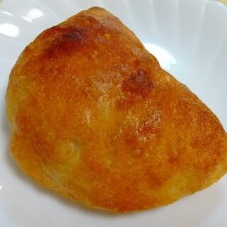 パラオア - 料理写真:カルツォーネ 260円