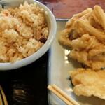 子亀 - 「季節のご飯」と天ぷら(ごぼう天、いか天)