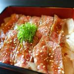 梅田肉料理 きゅうろく - ステーキ重100g