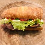 131926931 - 自家製ベーコン×クリームチーズサンドウィッチ