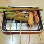 タコとハイボール - 料理写真:上品な串カツ?