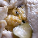 グランパ   - 「鶏胸肉のピクルス煮」の中にはリゾット的に仕込んであります。