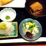 131931825 - 柚子胡椒 100円 (税抜き)、大根おろし・わさび、小鉢、漬物  ♪