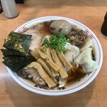 龍聖軒 - 料理写真:特製醤油ラーメン 並