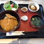 大戸屋ごはん処 - タレカツ丼定食