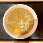 いろり庵きらく - たぬきそば(400円)+たまご(80円)