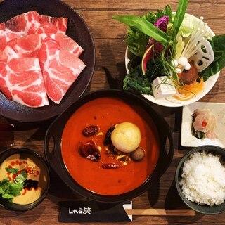 薬膳麻辣(ヤクゼンマーラー)スープ