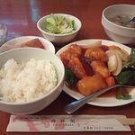 13195889 - この日注文したランチ「魚の甘酢餡かけ」