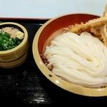 讃岐うどん しろちゃん - 料理写真:いか天ざるうどん 税込700円