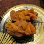 八食市場寿司 - 生ウニ軍艦