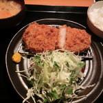 黒ぶたや - NEW!!2012.05 ロースとんかつ定食1,380円