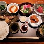131960528 - これぞ北新地クオリティ!お造りや焼き魚、煮物や揚げ物、サラダやお味噌汁まで丁寧な仕上がり