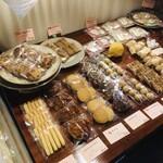 レストラン レヴェリエ - 焼き菓子購入は必須ですよ〜(๑˃̵ᴗ˂̵)