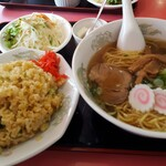 ニュー香蘭 - 料理写真:ラーメン定食