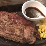 肉バル style 2 - 牛ミスジの鉄板ステーキ