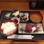 うお徳 - 2020年6月平日ランチ 限定刺し盛り定食¥950
