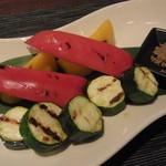 チャーコールダイニングキズナ - 野菜の炭火焼き(ズッキーニ、パプリカ)