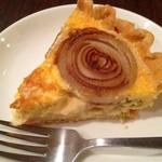 ラヂオキッチン - 料理写真:新玉葱とバジルのキッシュ
