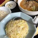 菜佳肴 - 料理写真:四川風坦々麺とハーフチャーハン 800円